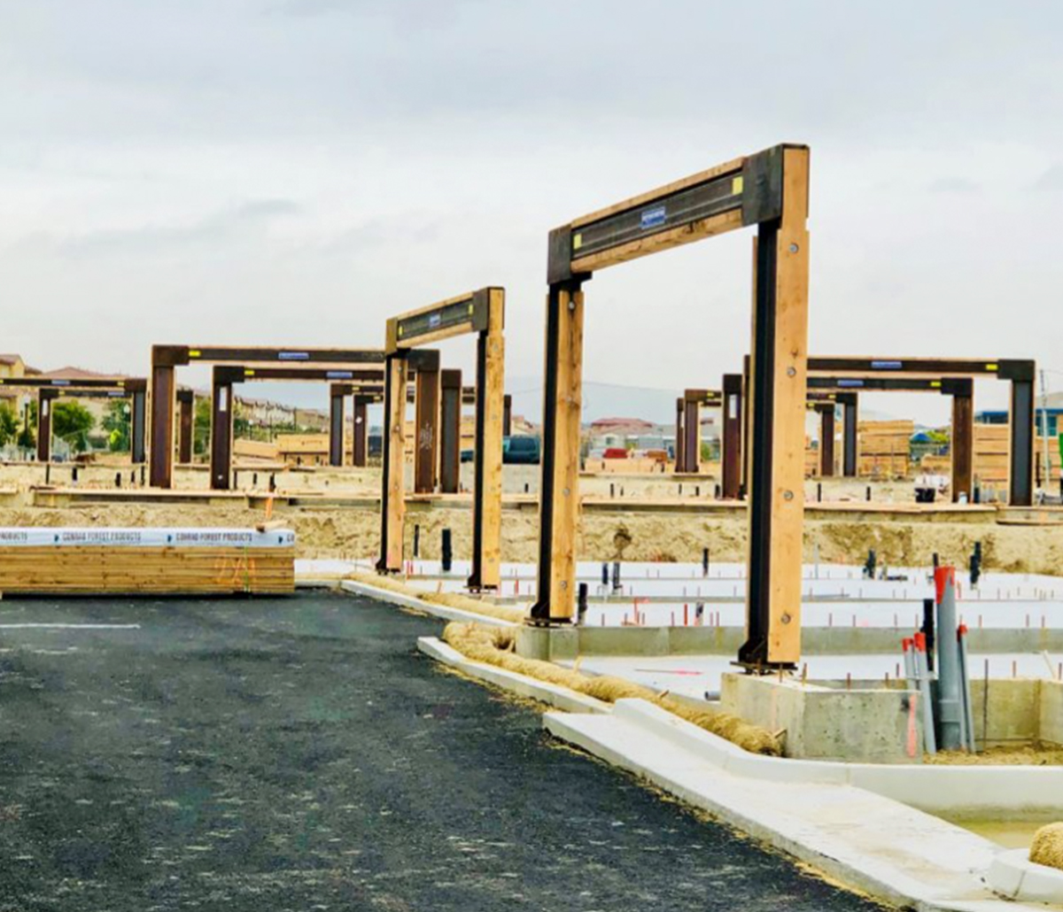 MiTek Moment Frames Engineered Systems Products - Series of Moment Frames installed at a jobsite