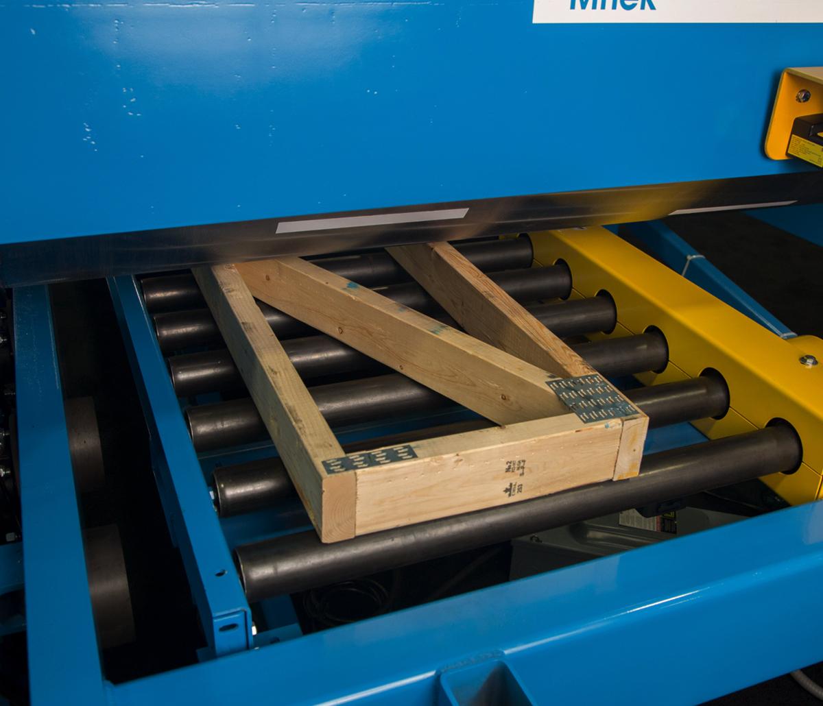 MiTek Railrider Pro Automated Solutions - 2x4s being assembled in Railrider Pro